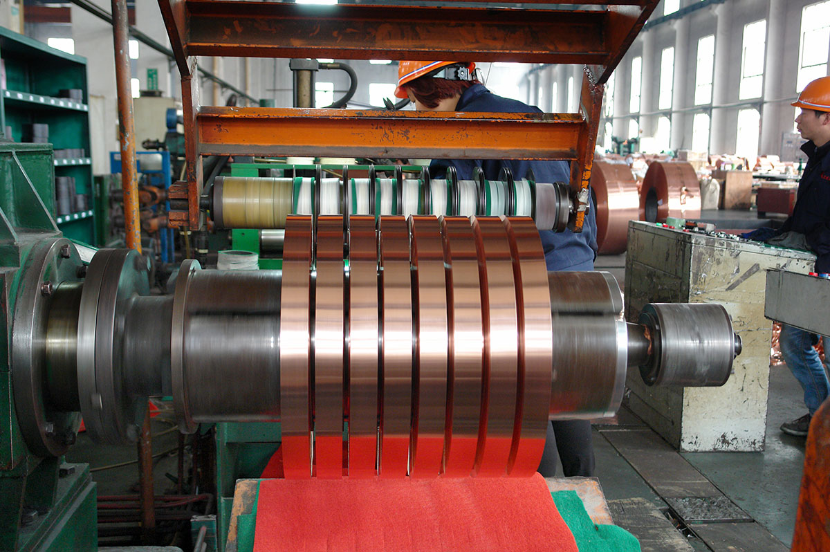 Rolls must be concentrically vertical when forming copper strip tubes